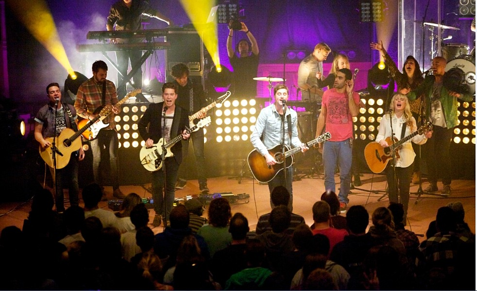 2,000 leaders keep worship central in the heart of London ...