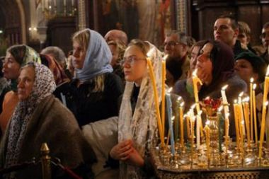 Russian Orthodox Christians attend a Christmas Liturgy in the giant ...