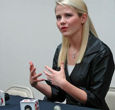 Elizabeth Smart - creative commons