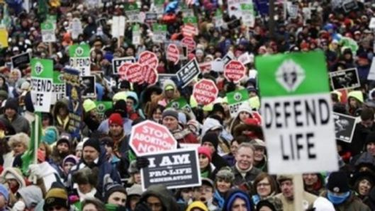 thousands-of-christians-protest-against-planned-parenthood