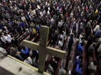 worshippers-at-china-church