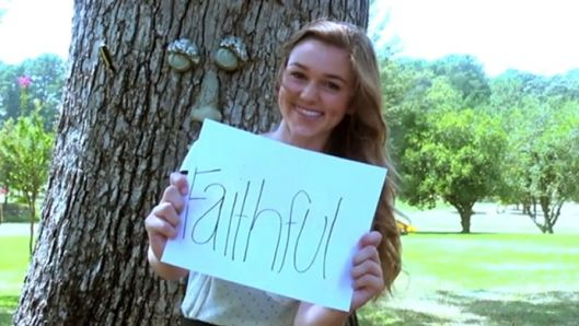 duck-dynastys-sadie-robertson-opens-up-about-sexual-temptation-love-and-fame