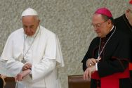 pope-francis-looks-at-watch