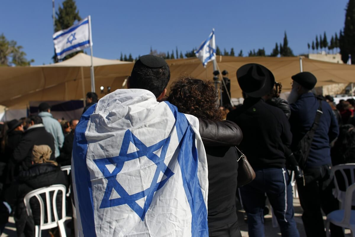 Exodus: 5,000 Jews Quit France For Israel After Terror Attacks