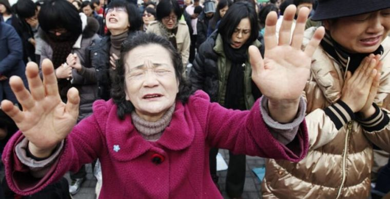 Christians praying for North Koreans