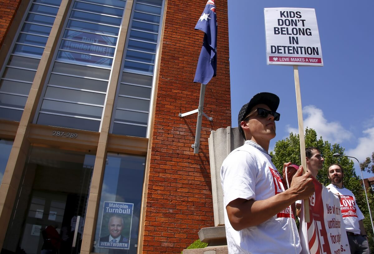 UN 'Urges' Australia Not To Send Children To Nauru