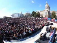 franklin-graham-addresses-large-georgia-crowd
