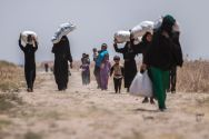 refugees-flee-isis-in-raqqa