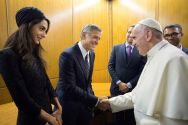 pope-francis-with-george-clooney-and-his-wife-amal