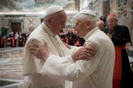 pope-francis-pope-benedict