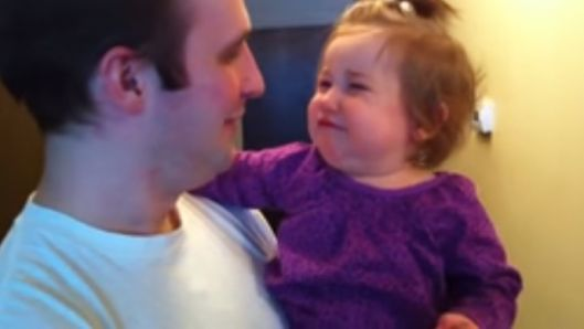 little-girl-is-distraught-when-daddy-cuts-off-his-beard