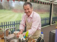 baptist-pastor-and-great-british-bake-off-contestant-lee-banfield