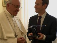 pope-francis-and-mark-zuckerberg