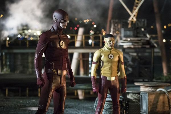 First Pics From The Flash Season Three Premiere