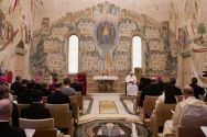 pope-francis-and-archbishop-of-canterbury-justin-welby-at-prayer-at-the-vatican-in-2013