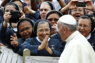 pope-francis-with-nuns