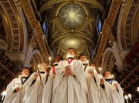 choristers-of-st-pauls-cathedral-sing-christmas-carols
