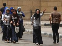 egyptian-schoolgirls-wearing-hijab