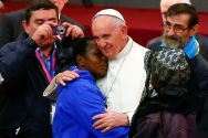 pope-francis-embraces-a-woman-during-a-jubilee-audience-for-the-socially-excluded