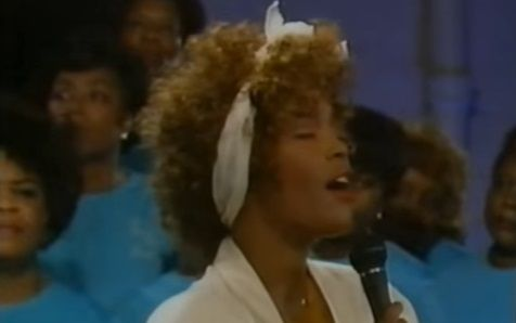 rare-footage-shows-a-young-whitney-houstons-phenomenal-performance-of-gospel-song-a-quiet-place