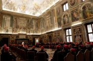ou-must-hire-more-lay-people-and-women-pope-francis-tells-the-vatican