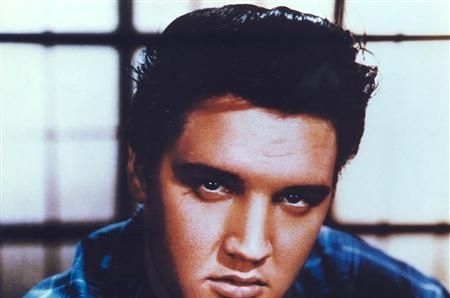 elvis-presleys-beautiful-gospel-hit-reach-out-to-jesus-is-the-perfect-song-for-a-quiet-moment-with-god