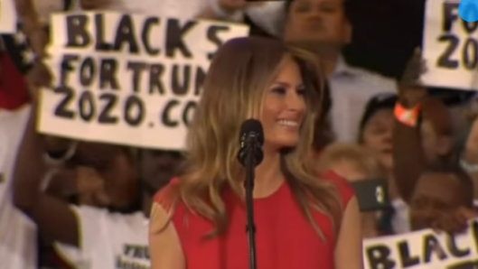 melania-trump-says-the-lords-prayer-at-donald-trumps-florida-rally