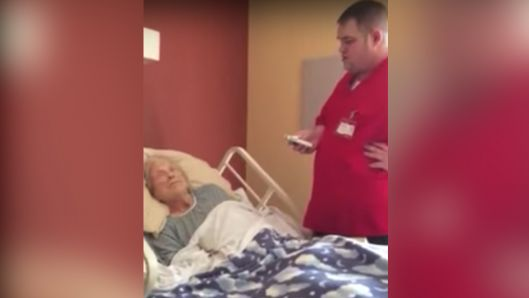 hospice-worker-comforts-dying-patient-with-amazing-rendition-of-how-great-thou-art