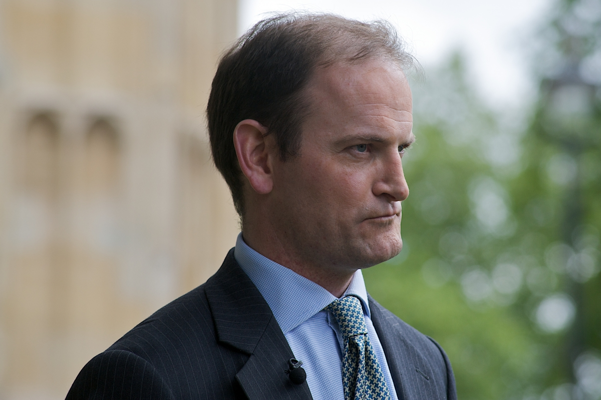 Farage puts pressure on Carswell to call election